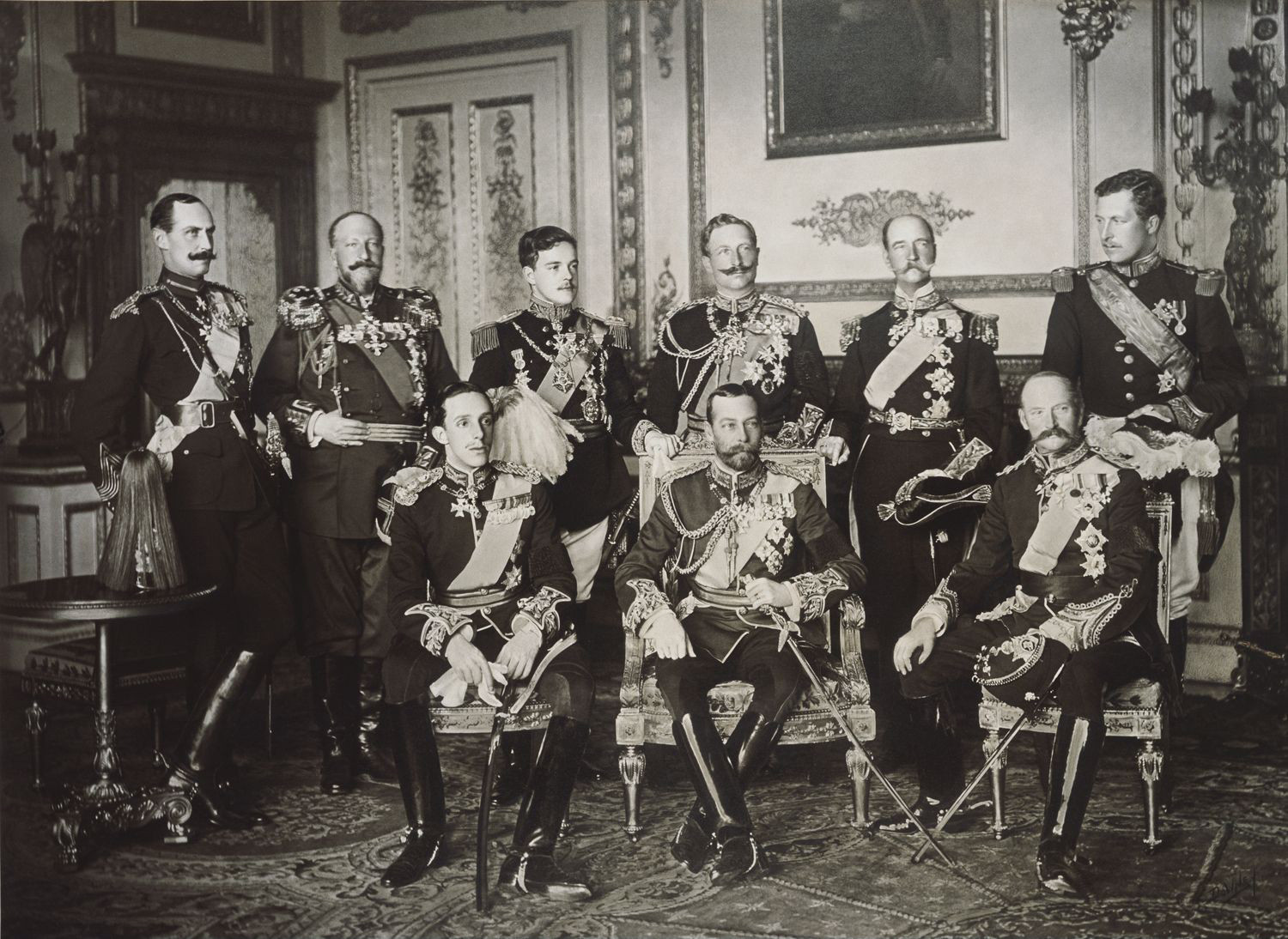 9 Kings, one photo. Back row, l. to r.: Haakon VII of Norway, Ferdinand I of Bulgaria, Manuel II of Portugal, Wilhelm II of Germany, George I of Greece and Albert I of Belgium; front row: Alphonso XIII of Spain, George V of the United Kingdom, and Frederick VIII of Denmark.